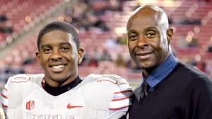 À direita, Jerry Rice, um dos maiores da história da NFL. À esquerda seu filho, que ainda tem muito chão a percorrer...