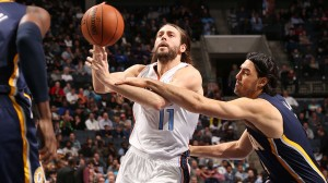 Josh McRoberts defendeu o Charlotte Bobcats na última temporada, e agora se junta ao Miami Heat