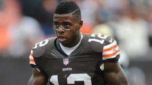 Em apenas dois anos de NFL, Josh Gordon coleciona jardas, TDs e problemas com drogas