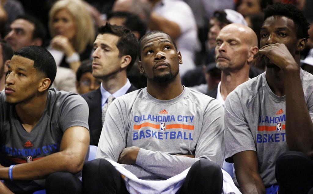 Kevin Durant é um dos melhores jogadores da NBA, mas precisa de mais companhia no elenco (Foto: USA Today Sports)