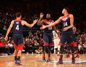 Stephen Curry, James Harden e Anthony Davis são alguns dos principais nomes do USA Team (Foto: reprodução Twitter)