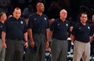 Tom Thibodeau, Monty Williams, Jim Boeheim e Mike Krzyzewski, comissão técnica do Team USA. (Foto: USA TODAY Sports)