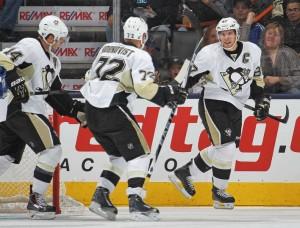 Crosby brilhou com um gol e duas assistências (Foto: NHL)