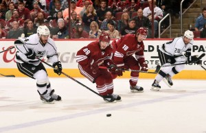Kings abriram 2 a 0, mas tomaram a virada no OT (Foto: NHL)