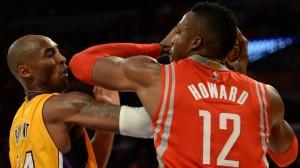 Kobe Bryant e Dwight Howard se estranharam na abertura da temporada no Staples Center