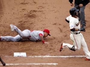 Bola mal arremessado por Randy Choate definiu vitória dos Giants nos Playoffs da MLB (Foto: USA Today Sports)