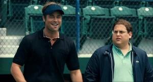 Billy Beane (Brad Pitt) e Peter Brand (Jonah Hill) - (Foto: Divulgação)