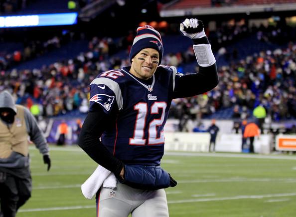 Pode abrir a mão pro Hi-5, Tom Brady! Atuação espetacular contra o Denver Broncos.