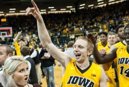 Iowa vence e encerra invencibilidade de Michigan State - The Playoffs