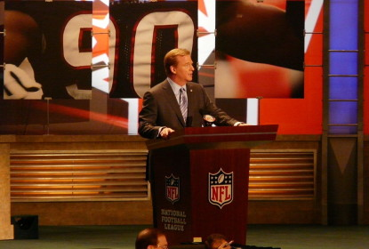 Roger Goodell diz que a NFL irá contratar novo diretor médico - The Playoffs