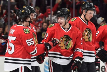 Blackhawks dão olé no gelo, vencem por 3 a 1 e ampliam crise dos Penguins - The Playoffs