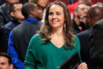 Becky Hammon se torna a primeira mulher a atuar como técnica principal na NBA - The Playoffs