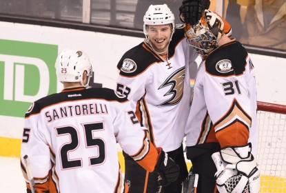 Ducks detonam Bruins e seguem reação na NHL - The Playoffs