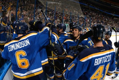 Na prorrogação, Blues batem os Kings em final emocionante - The Playoffs