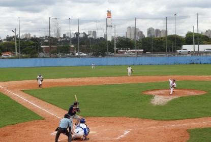 [ENTREVISTA] 'Difícil achar um taco no Brasil que não seja de brinquedo', afirma Coordenador da MLB - The Playoffs