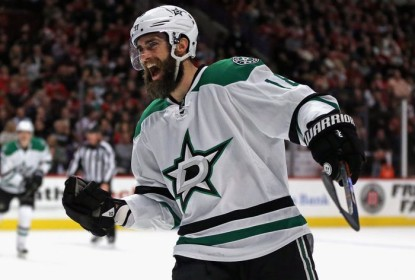 Com hat trick de Patrick Eaves, Stars vencem Blackhawks - The Playoffs