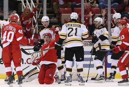 Em jogo com 11 gols, Red Wings derrotam Bruins - The Playoffs