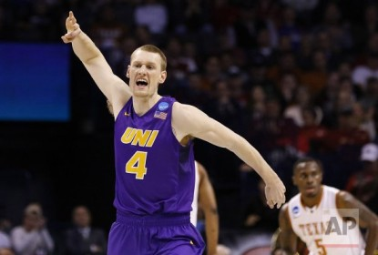 Northern Iowa vence com lance inacreditável no March Madness - The Playoffs