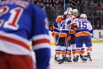 Islanders vencem clássico e se aproximam dos Rangers na divisão Metropolitana - The Playoffs