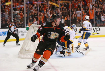 Ducks goleiam e viram placar da série contra os Predators - The Playoffs