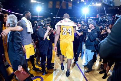 Toalha usada por Kobe Bryant em sua despedida é vendida por US$ 33 mil - The Playoffs