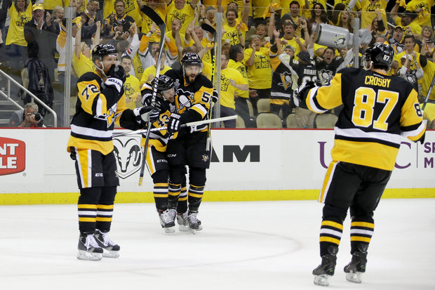 Penguins Beat Sharks 3 1 In 4 Of Stanley Cup