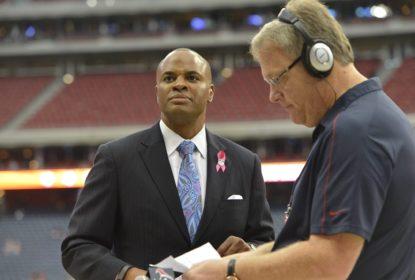 Texans estendem contrato do GM Rick Smith - The Playoffs