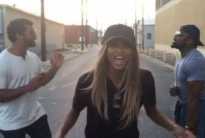 Russell Wilson e Ciara cantam juntos em New Orleans - The Playoffs