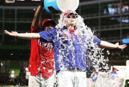 Grand Slam de Mitch Moreland ajuda os Rangers a baterem os Indians - The Playoffs