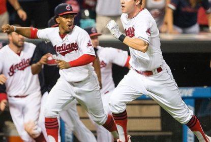 Novato Tyler Naquin garante a vitória dos Indians sobre os Blue Jays de forma inesperada - The Playoffs