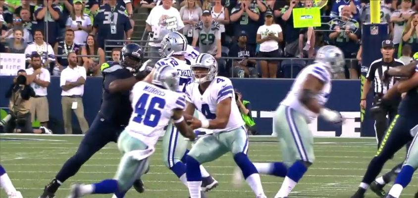 Jogada estranha entre Dak Prescott e Alfred Morris, do Dallas Cowboys