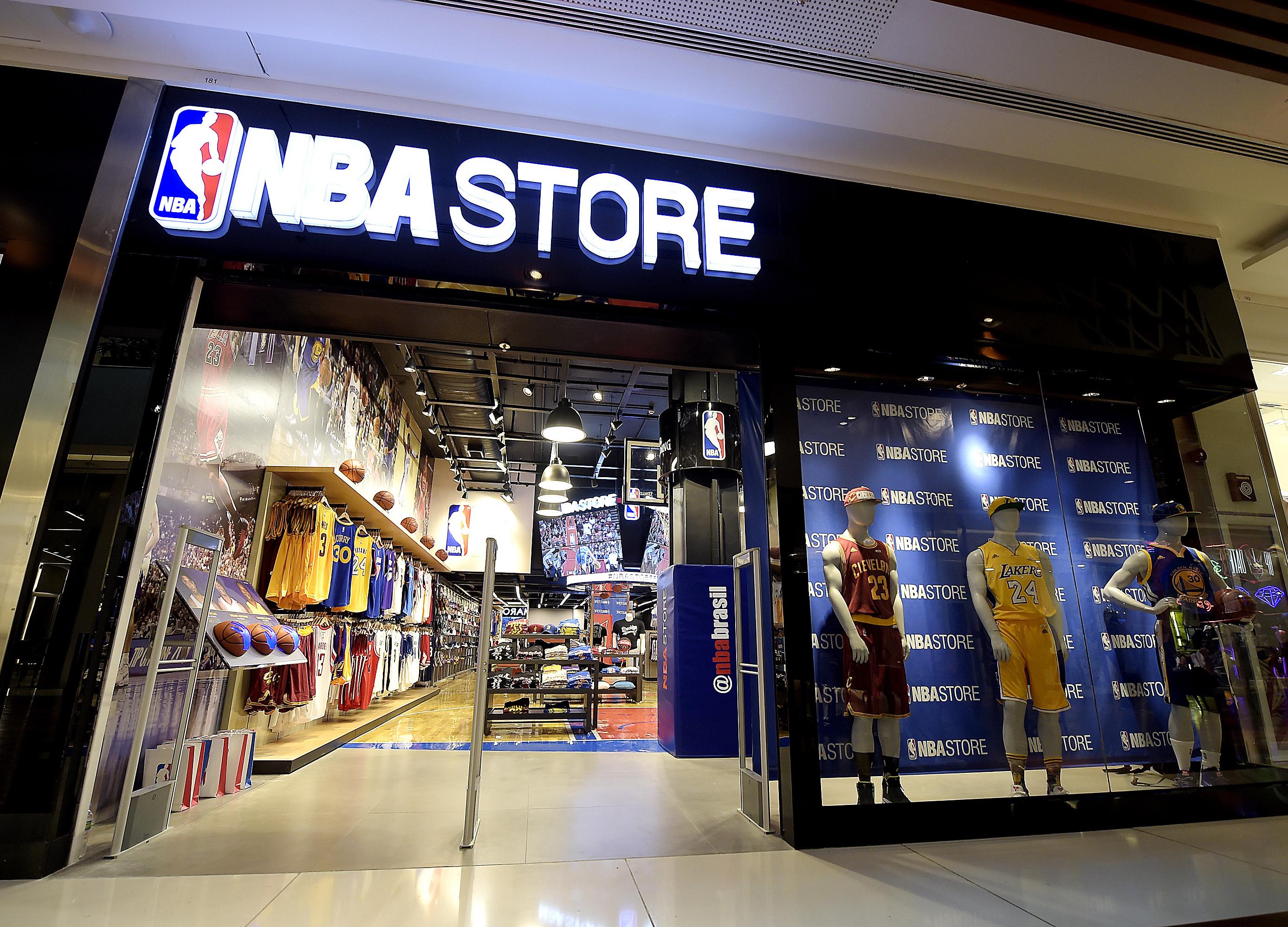 fa7baf1c3 NBA inaugura primeira loja da América Latina em grande shopping do Rio de  Janeiro. 295107 644675  alo4250