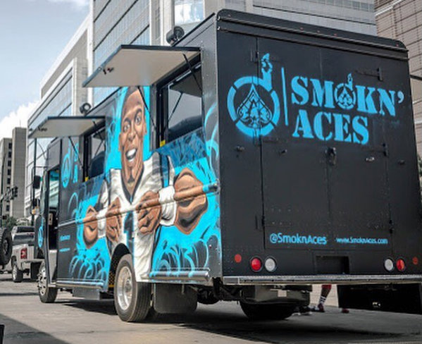 Smoknaces Food Truck