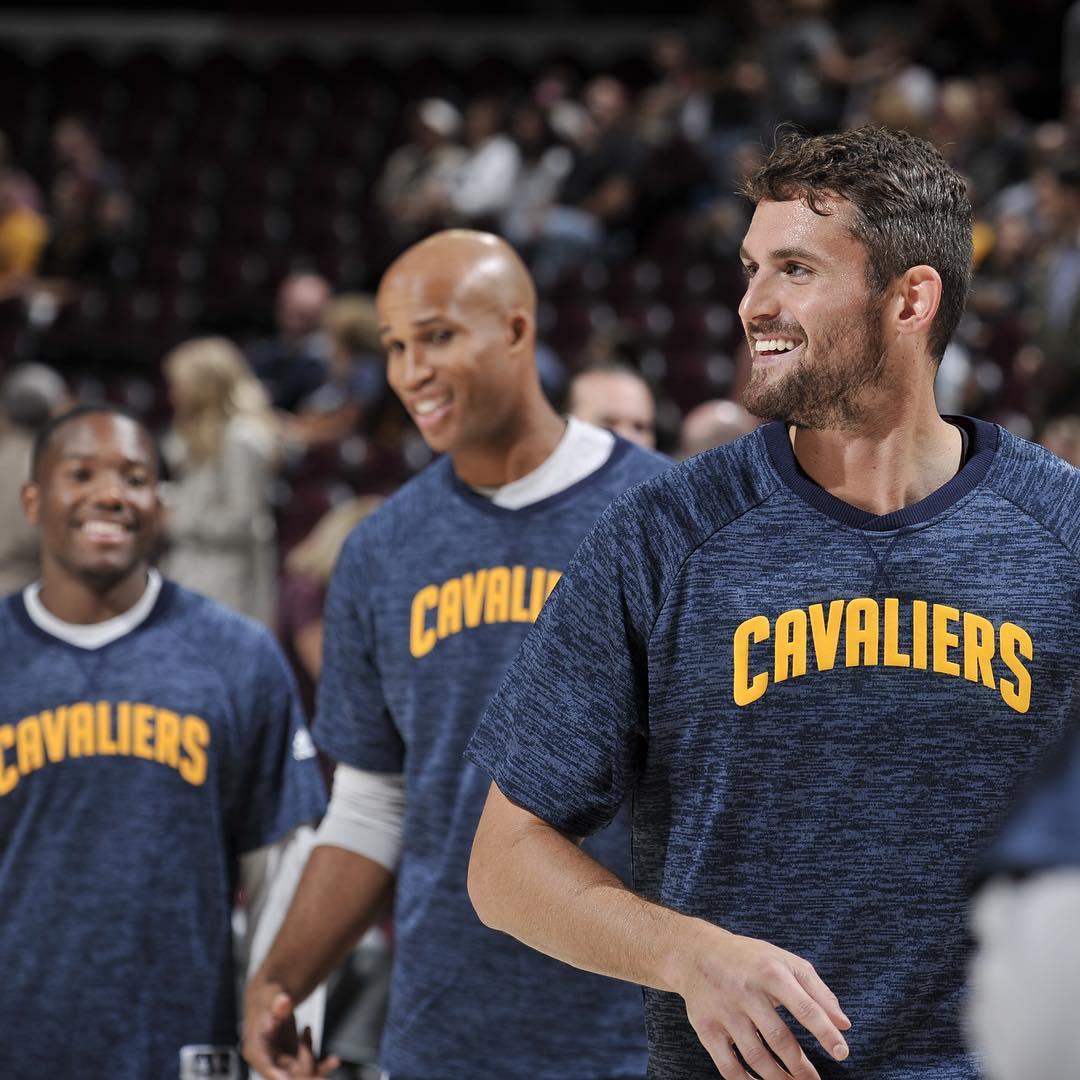 Cavaliers vencem na pré-temporada