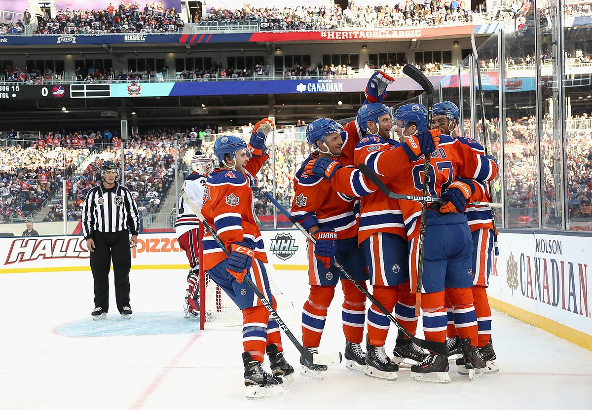 Oilers vencem Jets no Heritage Classic