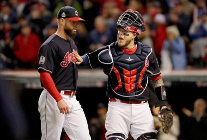 Roberto Perez desfalcará os Indians por meses após operar dedo quebrado - The Playoffs