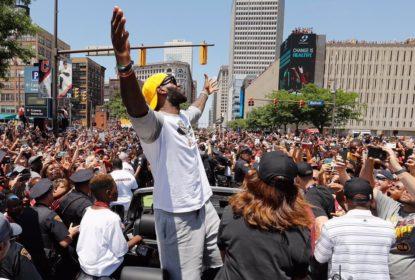 LeBron sugere e empresa distribuirá sorvete em dia histórico - The Playoffs
