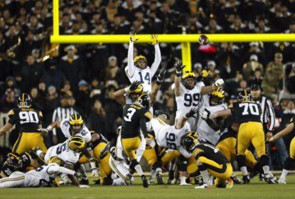 Numa noite pra lá de maluca, Iowa derrota Michigan em casa - The Playoffs