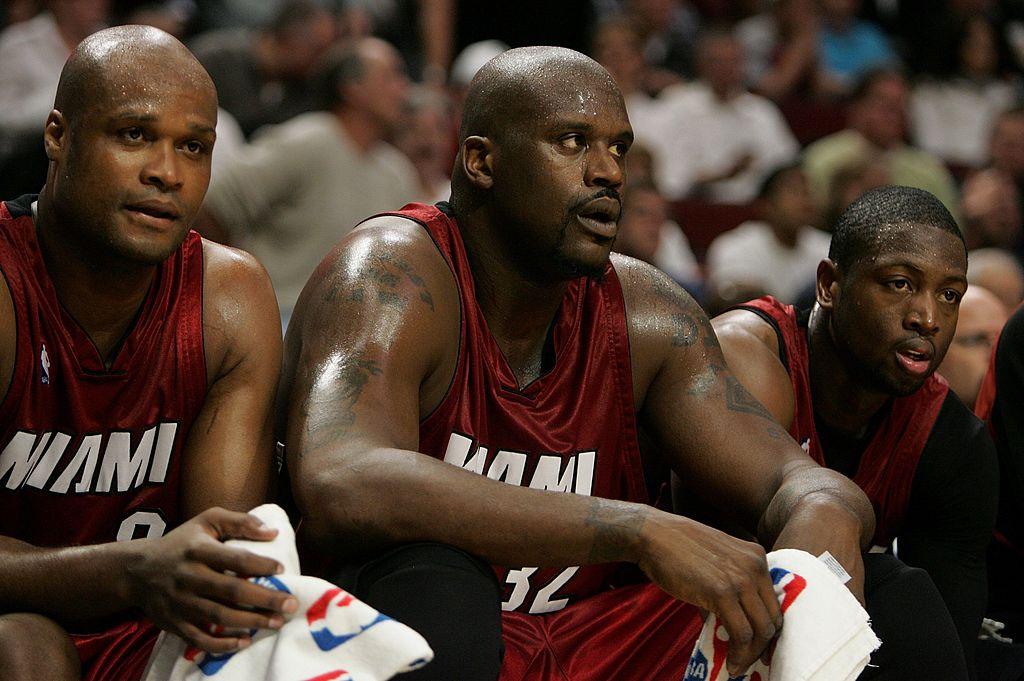 Antoine Walker, Shaquille O'Neal e Dwyane Wade em jogo contra os Bulls nos playoffs de 2007