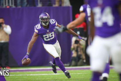 Xhavier Rhodes anota touchdown de 100 jardas em interceptação