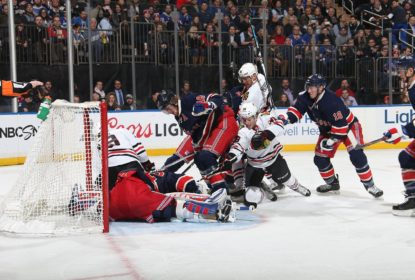 Chicago Blackhawks vence New York Rangers por 2-1 com a volta de Toews - The Playoffs