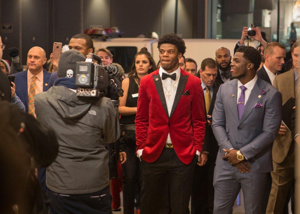 Lamar Jackson é o vencedor do Heisman Trophy - The Playoffs