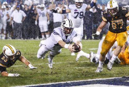 Com fim de jogo emocionante, BYU vence Wyoming e conquista o Poinsettia Bowl - The Playoffs
