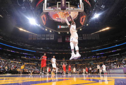 Lakers finalmente vencem Clippers na noite de Natal - The Playoffs