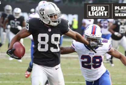 Em casa, Oakland Raiders vira partida e vence Buffalo Bills no segundo tempo - The Playoffs