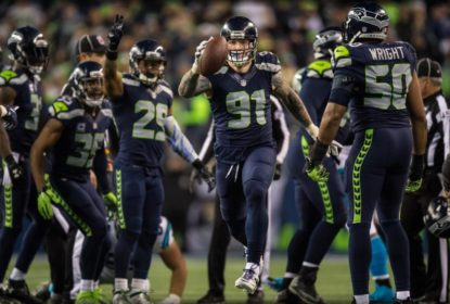 Ataque funciona e Seahawks amassam Panthers - The Playoffs