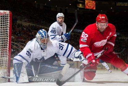 Jogando fora de casa, Toronto Maple Leafs vence Detroit Red Wings por 4 a 0 - The Playoffs