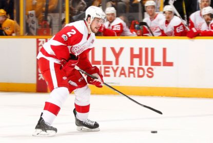 Em troca, Detroit Red Wings envia Brendan Smith para New York Rangers - The Playoffs