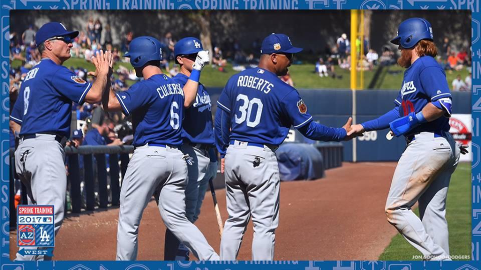 Los Angeles Dodgers vence Milwaukee Brewers em jogo de 18 corridas