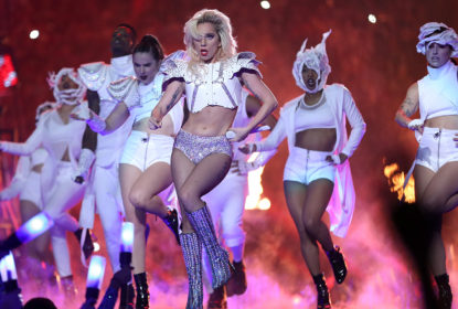 Show de Lady Gaga no Super Bowl recebe 6 indicações ao Emmy 2017 - The Playoffs